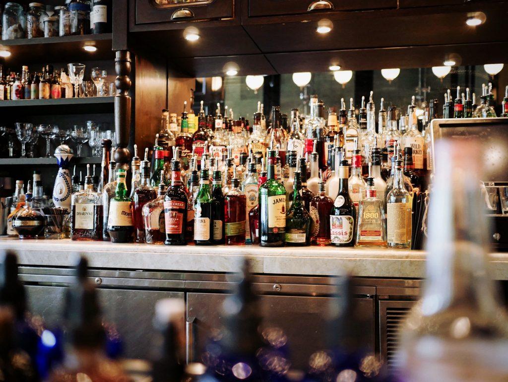 напитки в баре